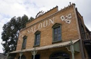 saloon-207396__340
